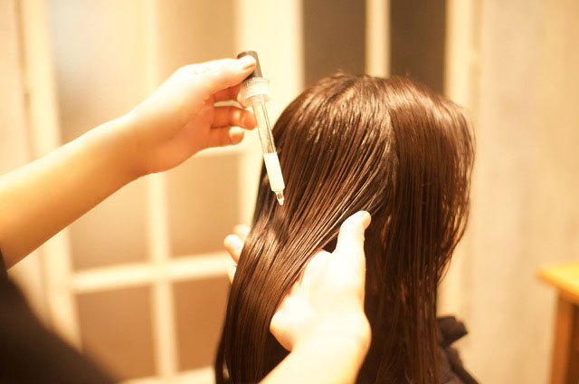 リキッドヘアで髪のタンパク成分のベースを作る