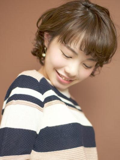 スタイリングも簡単☆大人かわいい無造作なコスメカールボブ☆