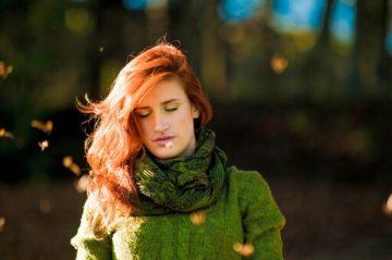 お悩みブログ「オシャレにマフラー巻きたいのに、髪がボサボサになってイヤーッ!!」part.1〜代官山の美容院BEKKUのブログ〜